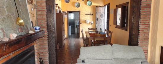 Salón y Comedor con chimenea Huerta Lagarín